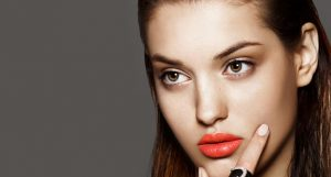 Cómo usar labios naranjas