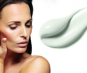 Controla las manchas en la piel con Clarins