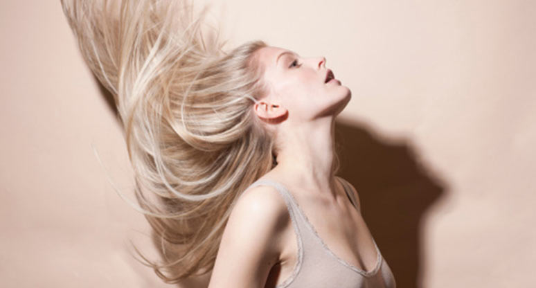 6 hábitos para que tu pelo se vea de 20