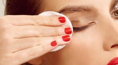 dormir maquillada es malo para la piel