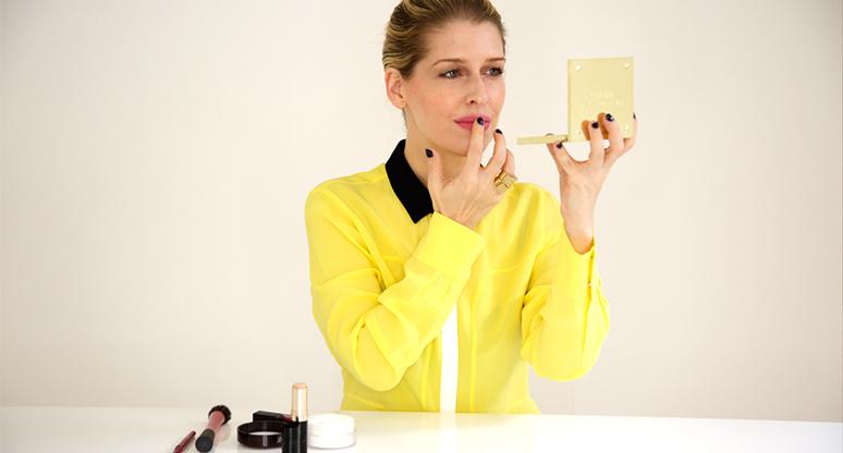 #BeautyTip cómo hacer que tu lipstick se vea mate