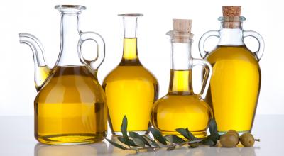 Limpia-tu-cara-con-aceite-de-oliva