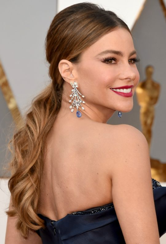 oscars-2016-hair-makeup-trends-sofia-vergara-ponytail-w540