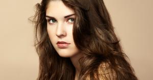 Mujer pelo volumen