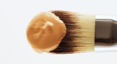 base de maquillaje con cobertura alta