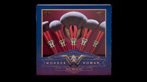 set de brochas de la mujer maravilla