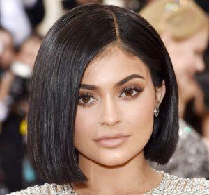 Kylie jenner con corte de pelo bob