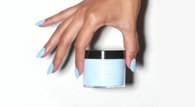 Tecnica de inmersion en polvo para pintar uñas
