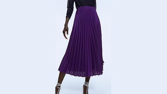 Falda plisada violeta